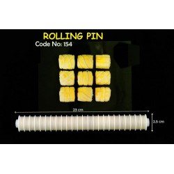 154 plastic rolling pin l23.5xw2.5CM